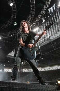 Los Foo Fighters dan un gran concierto en Wembley que respondió con un llenazo total