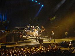 Queen vuelve con nuevo cantante y nuevo disco