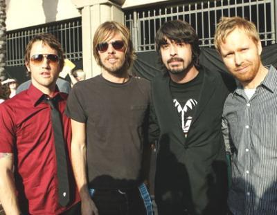 """Los Foo Fighters sacan un pequeño disco recopilatorio llamado como """"The missing pieces"""" con las canciones ocultas tras los singles de sus discos"""